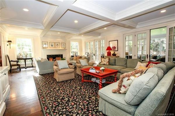 Luxury homes in all the elegance of a 1938 property