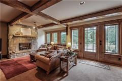 Luxury properties STUNNING MISTY RIDGE LODGE
