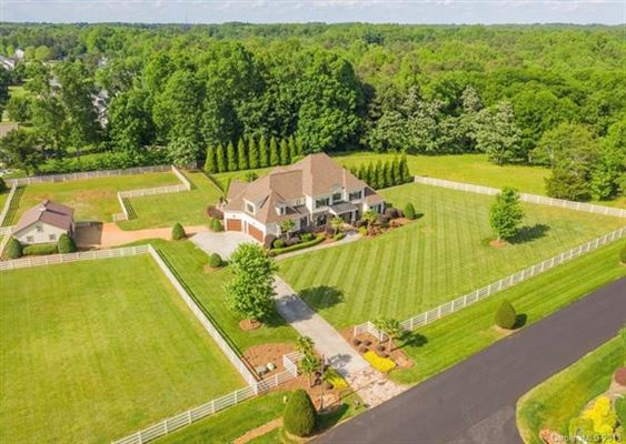 Luxury homes Incredible Equestrian Estate
