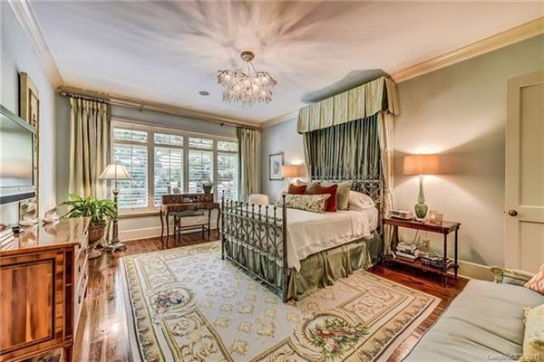 Mansions Spectacular home in eastover