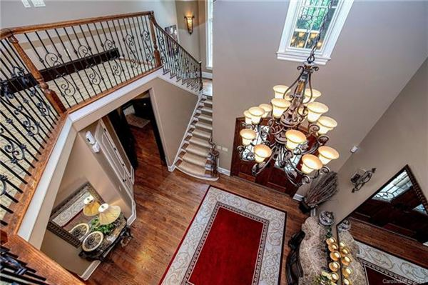 Stunning home in gated community luxury properties