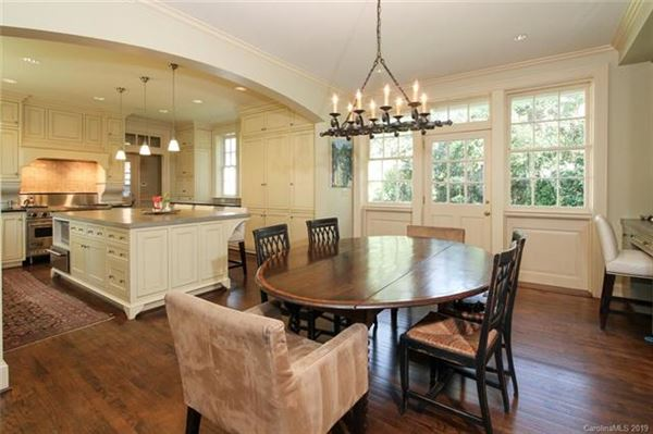 Luxury homes in custom finishes throughout