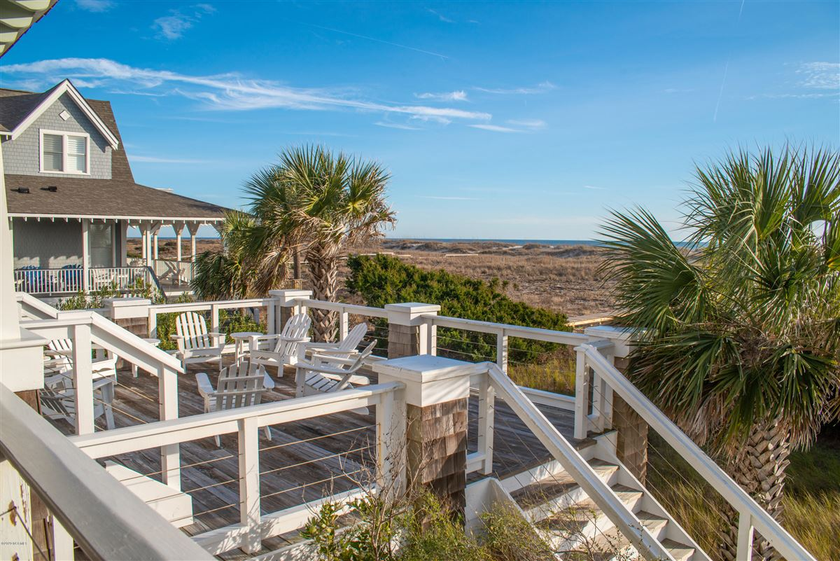 Oceanfront with direct beach access luxury homes