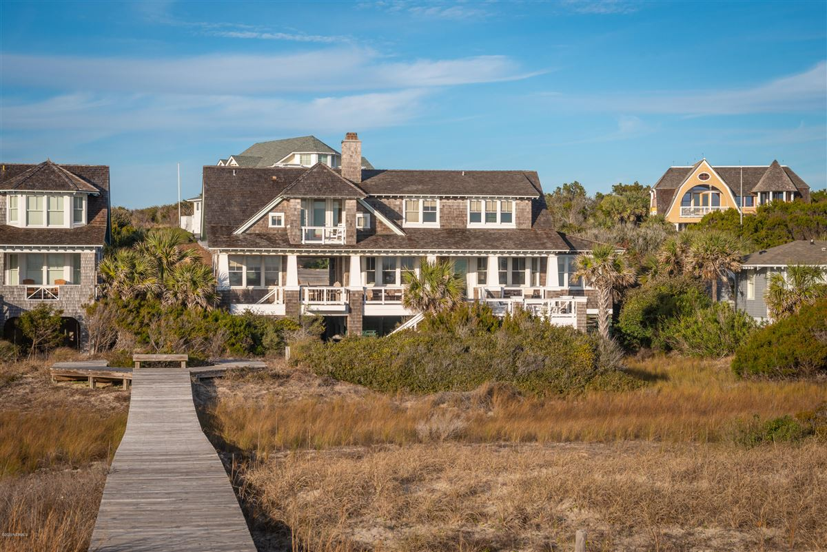 Oceanfront with direct beach access luxury real estate