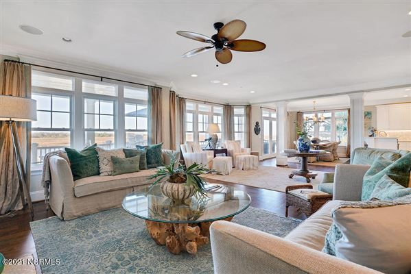 Spectacular waterfront home on Pelican Drive luxury real estate