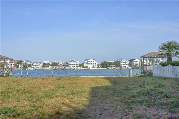fabulous opportunity in Wrightsville Beach mansions