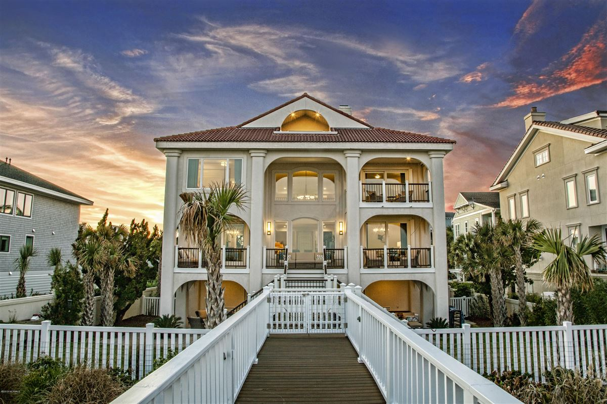 beautifully updated custom oceanfront home luxury homes