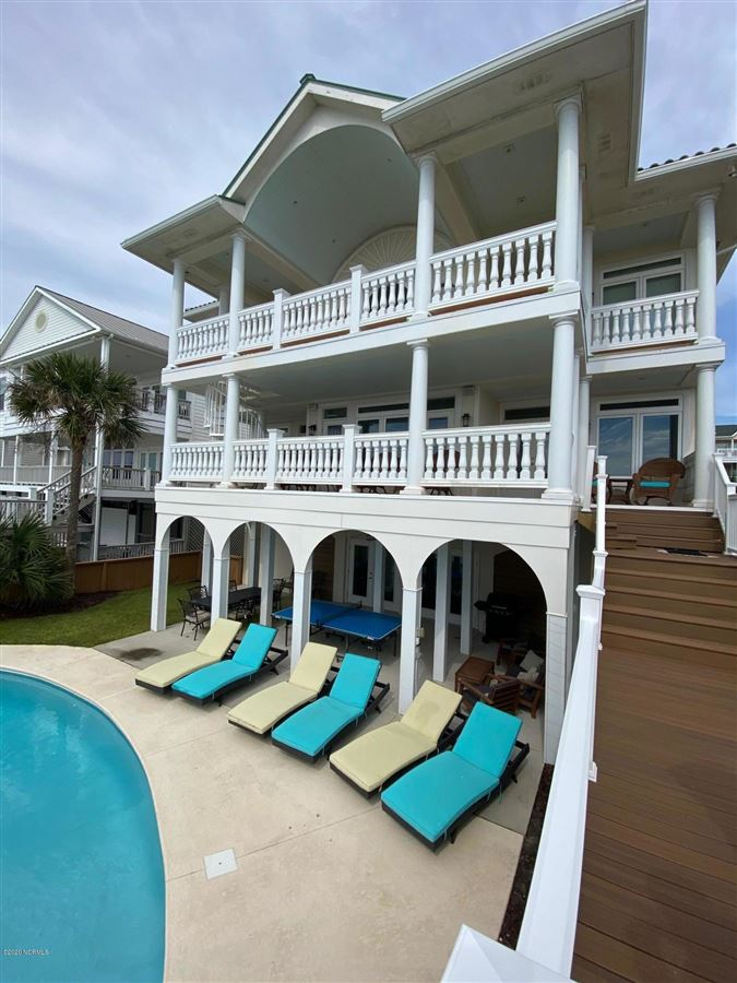 Luxury homes Gorgeous Ocean Front private sanctuary