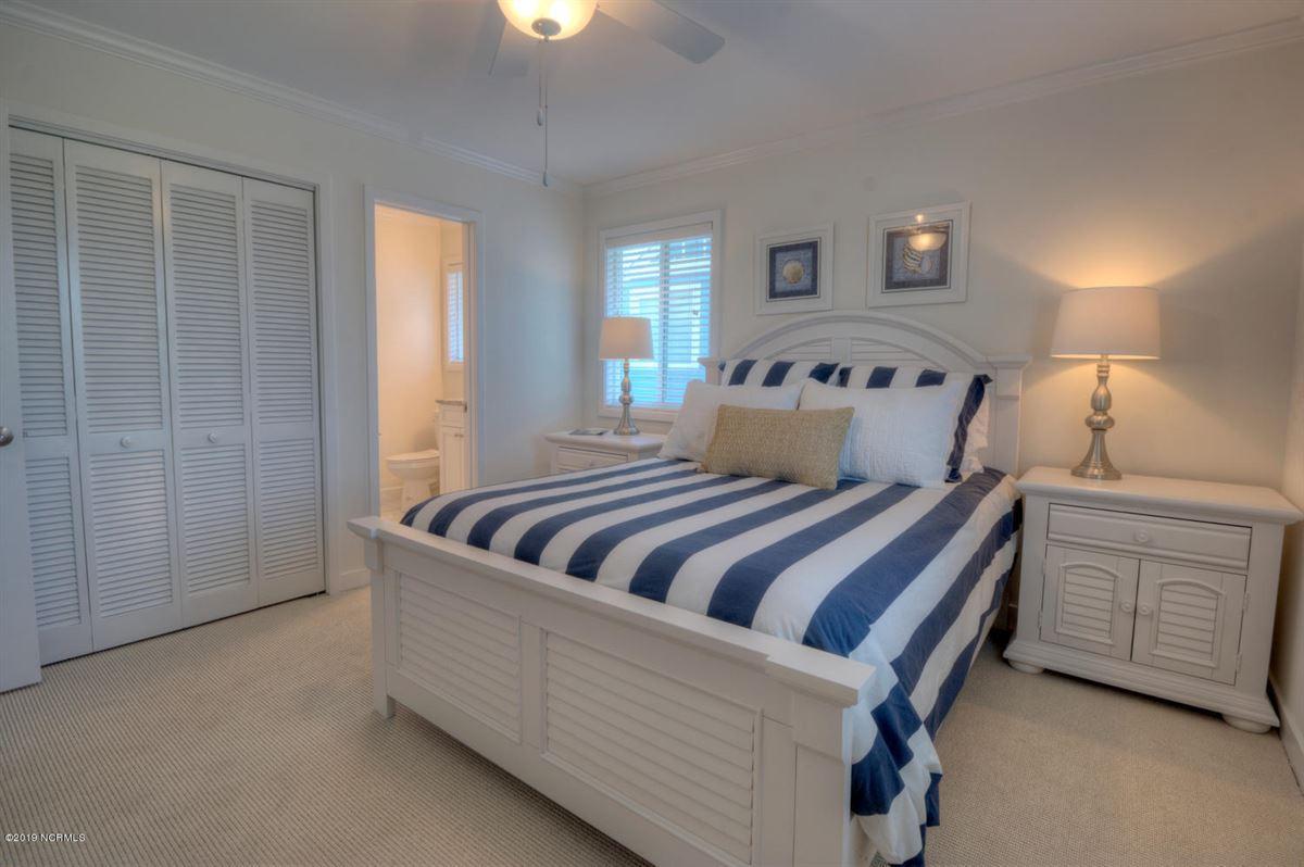 six bedroom oceanfront home luxury homes