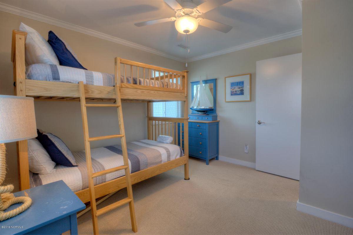 Luxury homes six bedroom oceanfront home