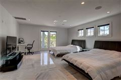 Luxury homes in Classic, clean contemporary home