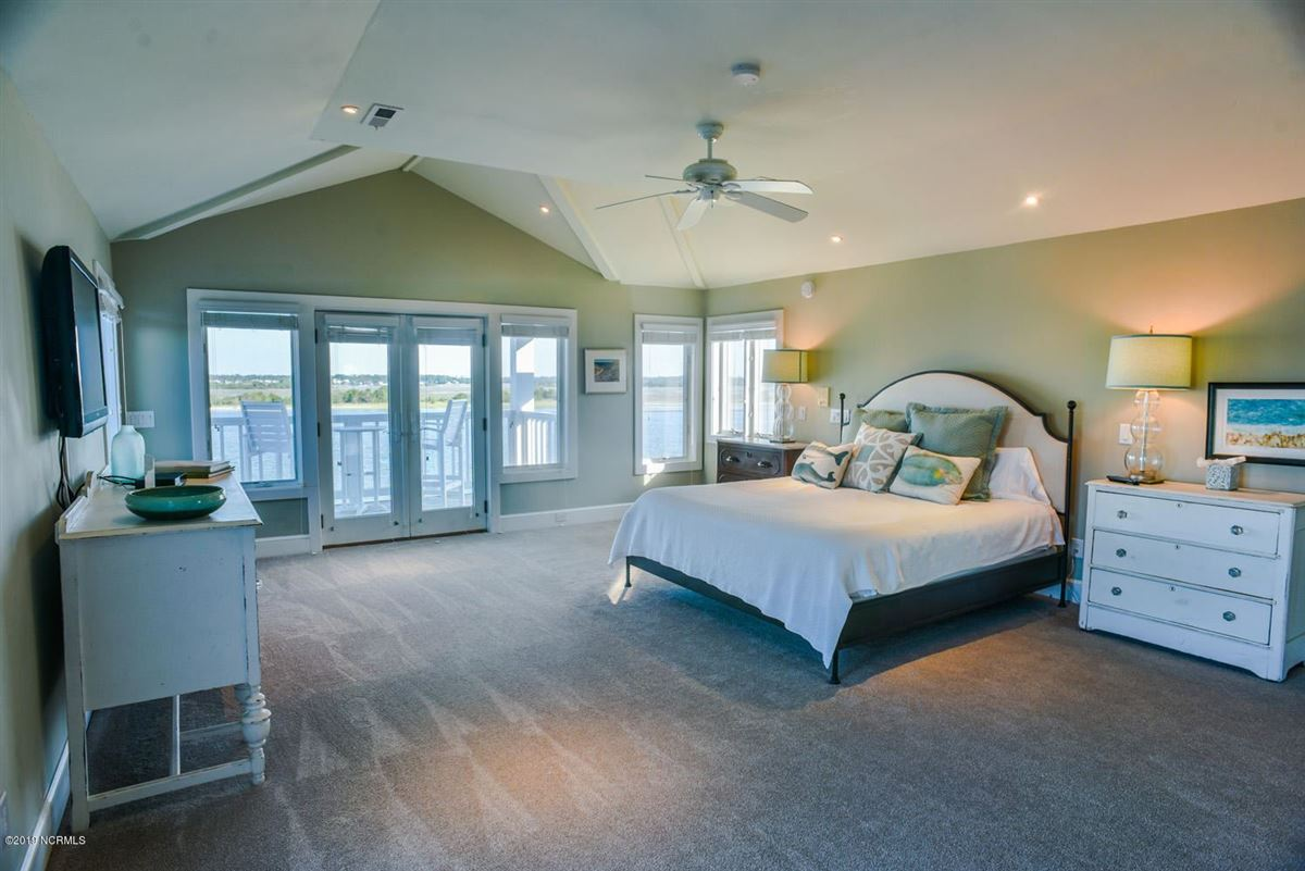 desirable waterfront south end home mansions
