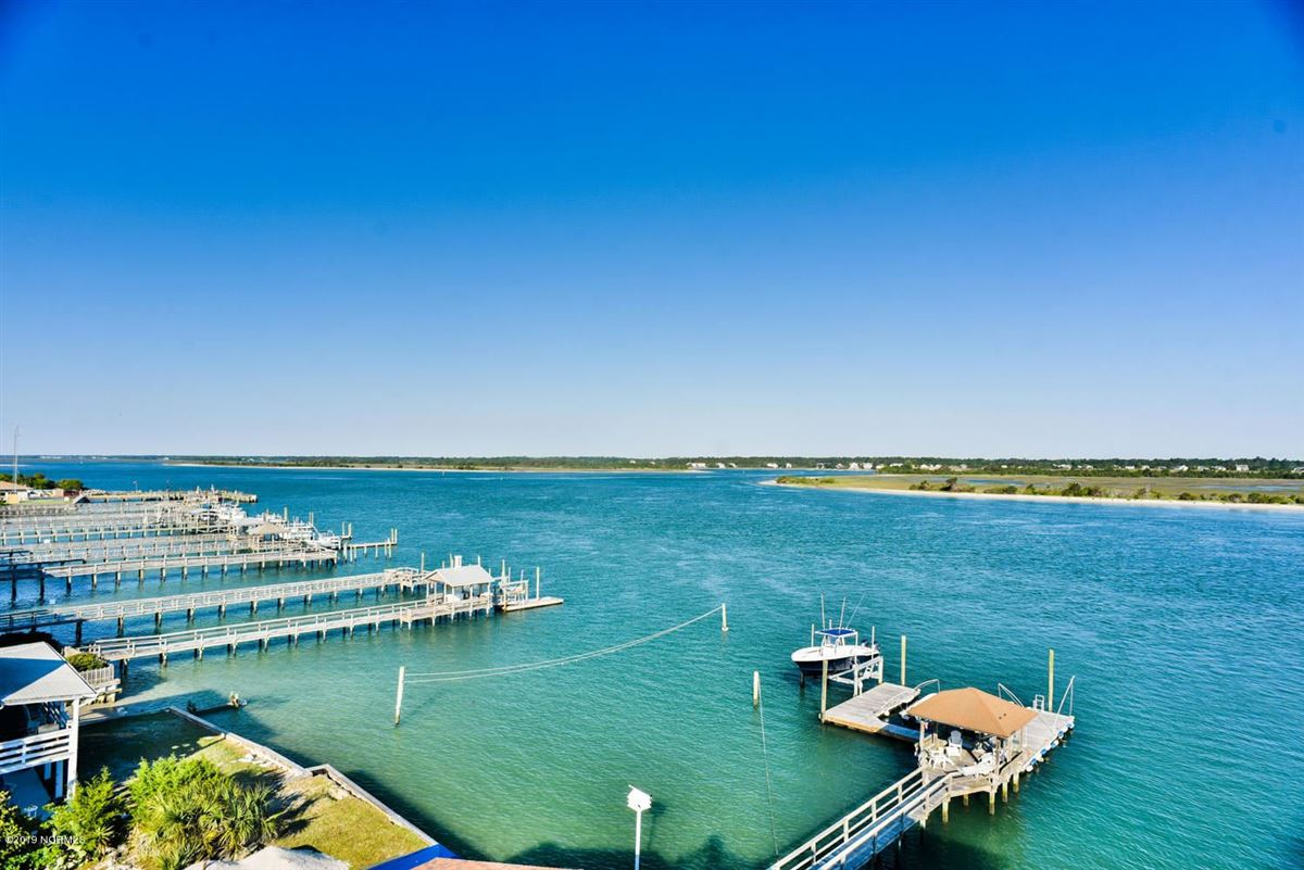 Mansions in desirable waterfront south end home