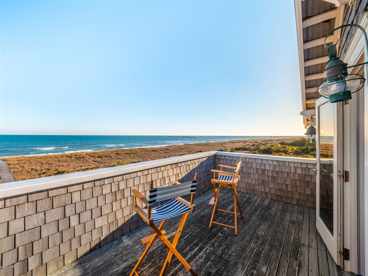spacious oceanfront gem luxury homes