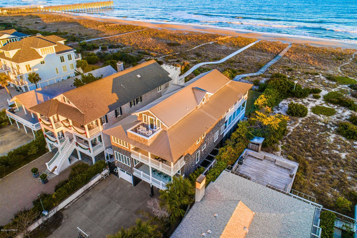 Luxury properties spacious oceanfront gem