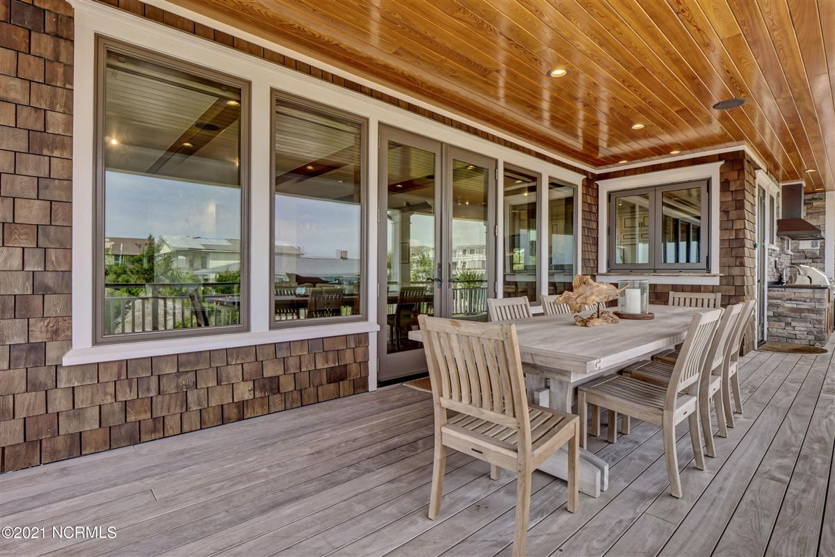 Luxury homes Spectacular oceanfront home