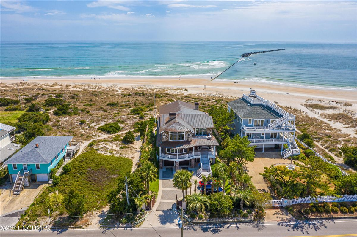 Spectacular oceanfront home luxury homes