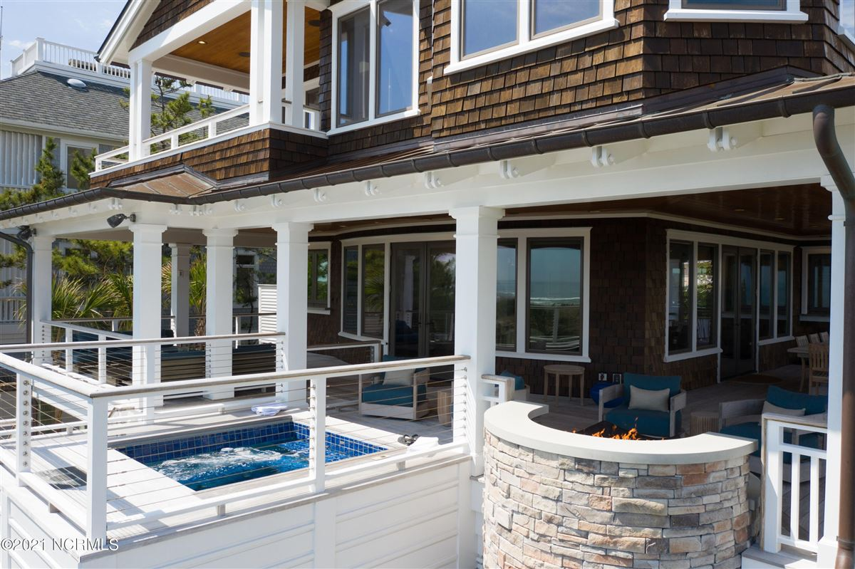 Luxury real estate Spectacular oceanfront home