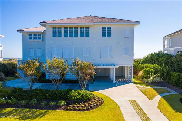 Luxury properties exquisite home on Figure Eight Island
