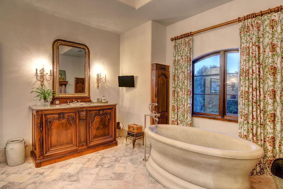 Luxury homes in Spectacular Bradley Creek Point Residence