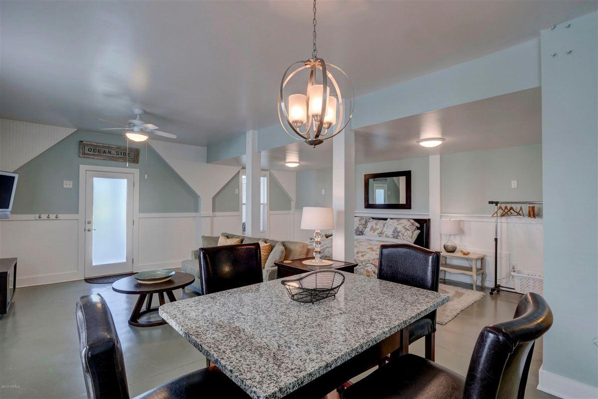 beautiful luxury, oceanfront condo mansions