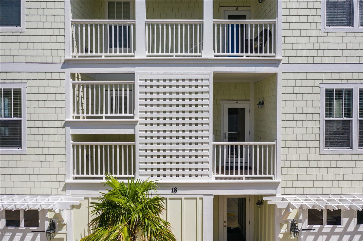 beautiful luxury, oceanfront condo luxury homes