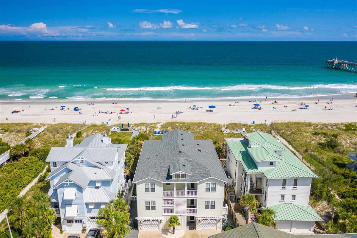 beautiful luxury, oceanfront condo luxury real estate