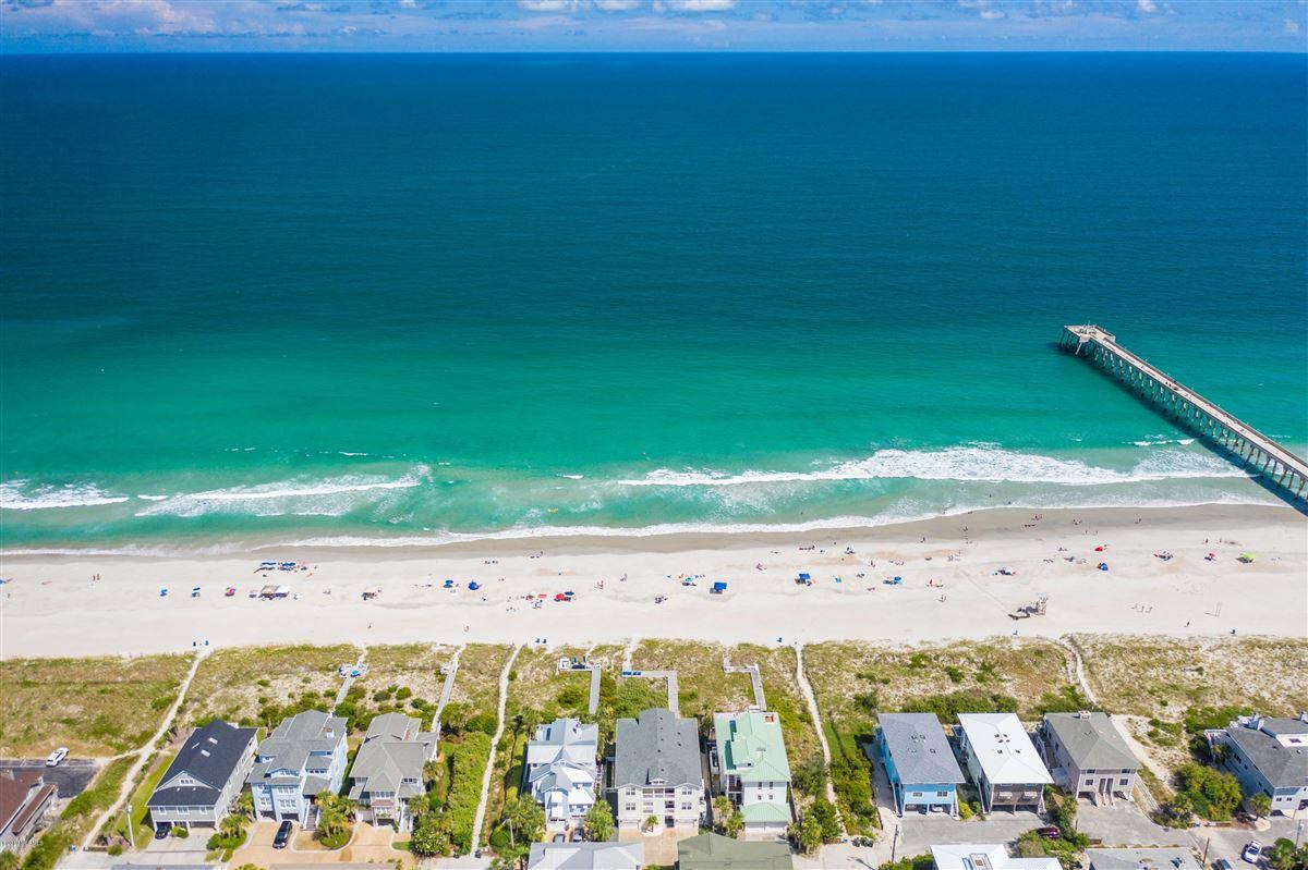 Mansions beautiful luxury, oceanfront condo
