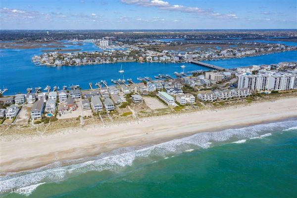 incredible oceanfront lot with many possibilities luxury homes