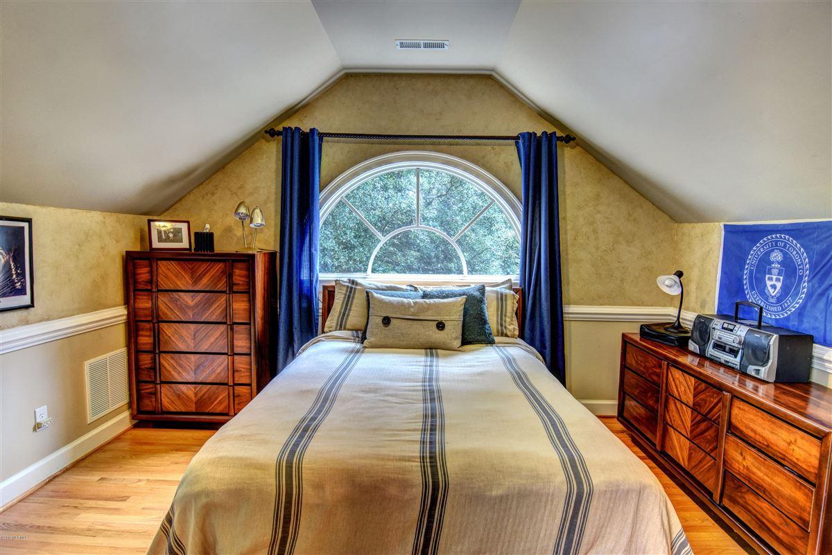Georgian Landfall Masterpiece luxury homes