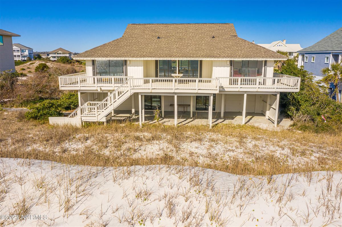 Mansions in well-kept four bedroom oceanfront home