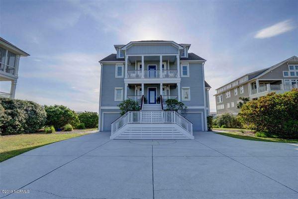 Luxury real estate center island location