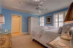 center island location  luxury homes