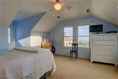 center island location  luxury properties
