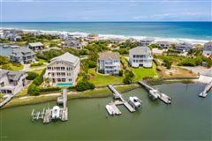 center island location  luxury real estate