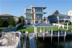 contemporary deep waterway home mansions