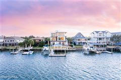 Luxury homes in contemporary deep waterway home