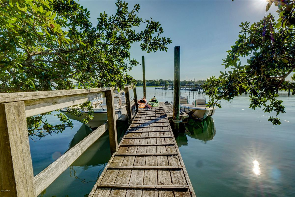 Luxury properties Duck Point - ultimate summer retreat