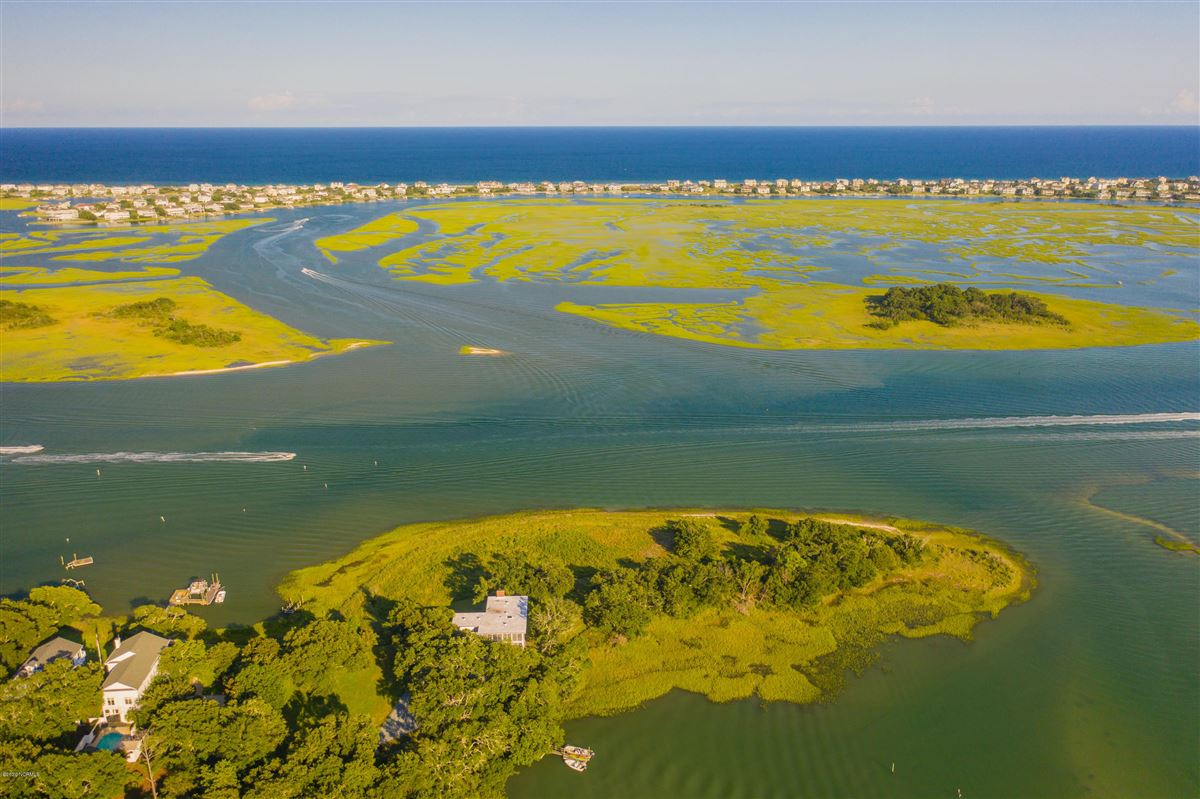 Duck Point - ultimate summer retreat luxury homes