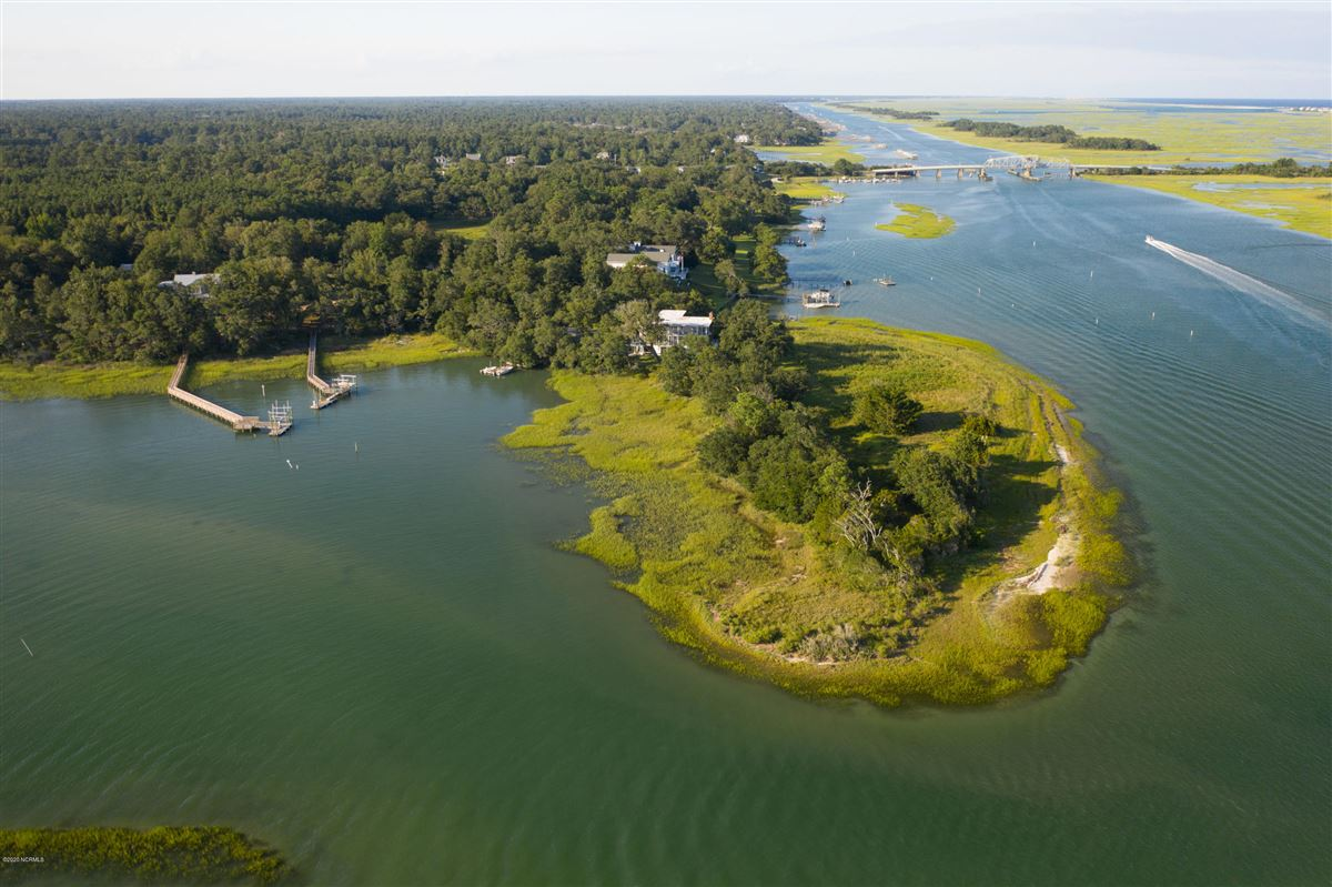 Duck Point - ultimate summer retreat luxury real estate