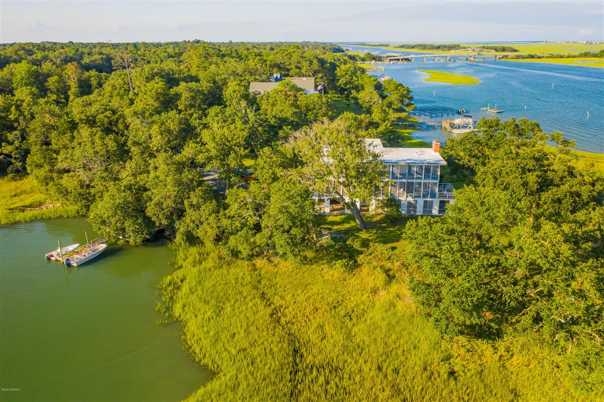 Duck Point - ultimate summer retreat luxury properties