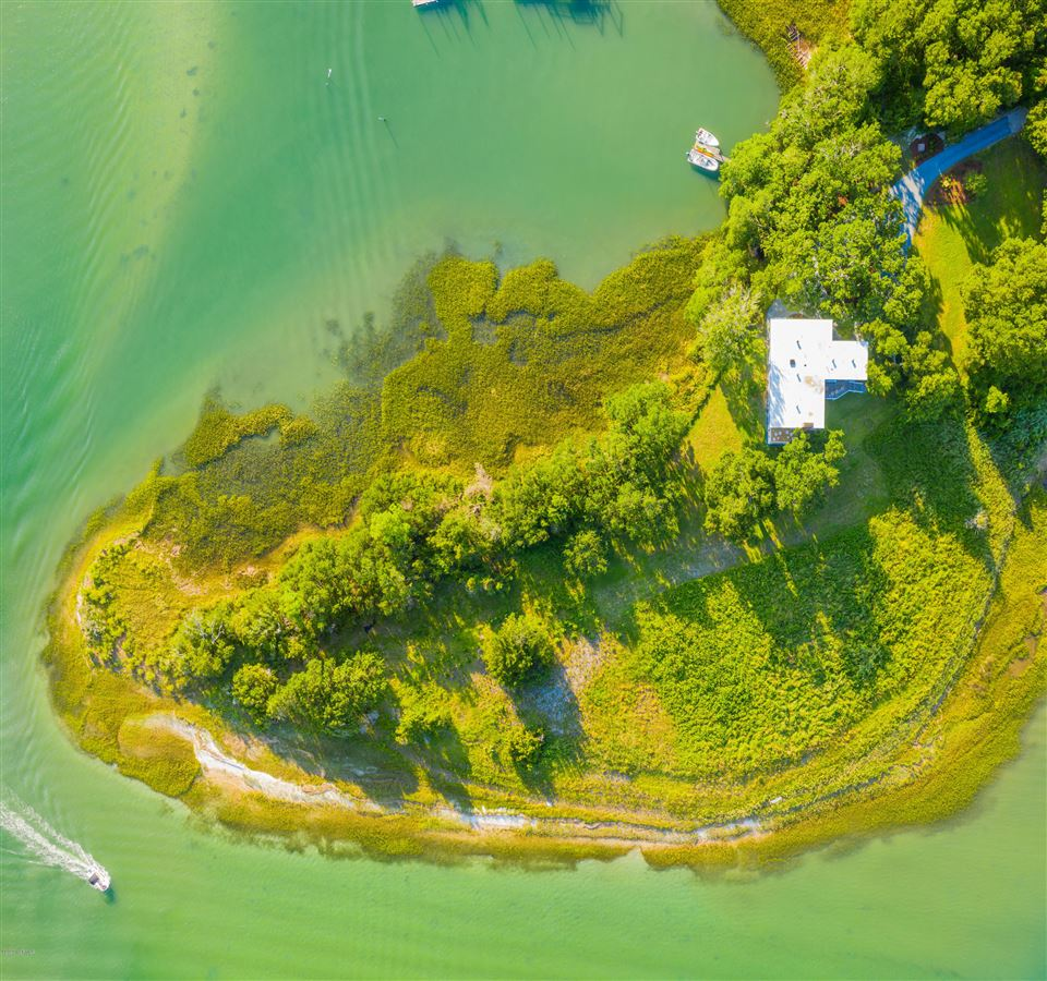 Mansions Duck Point - ultimate summer retreat
