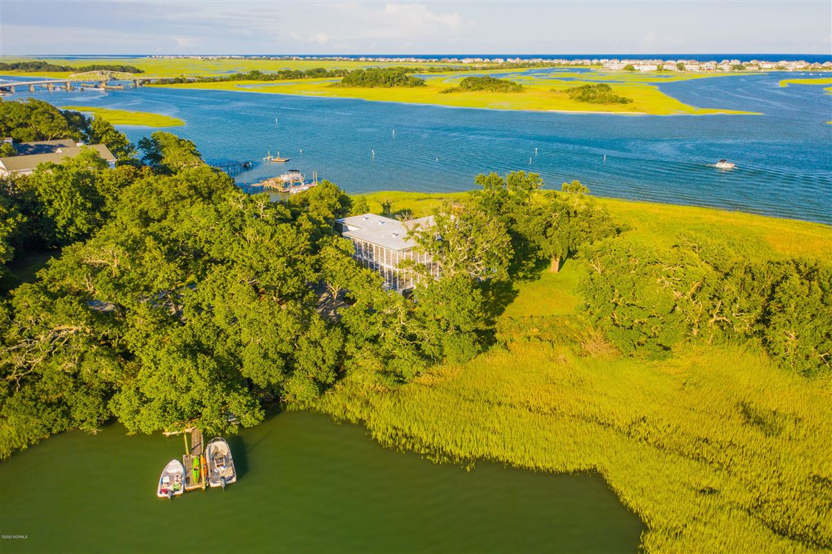 Duck Point - ultimate summer retreat mansions