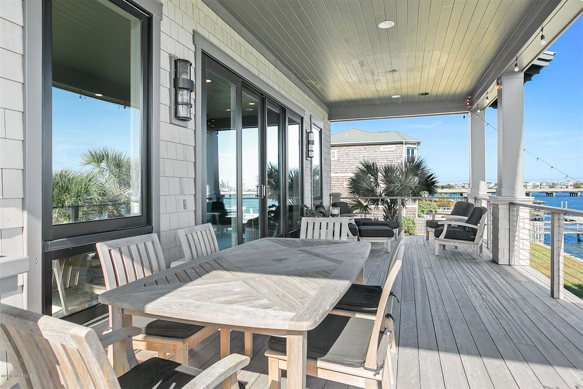 Luxury real estate waterfront masterpiece in wrightsville beach