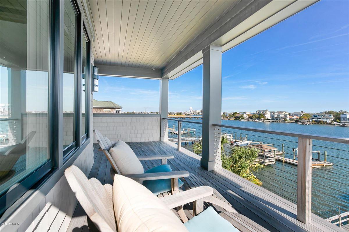 Mansions waterfront masterpiece in wrightsville beach