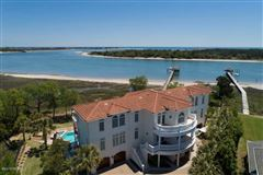 Luxury homes in extraordinary Intracoastal-front estate