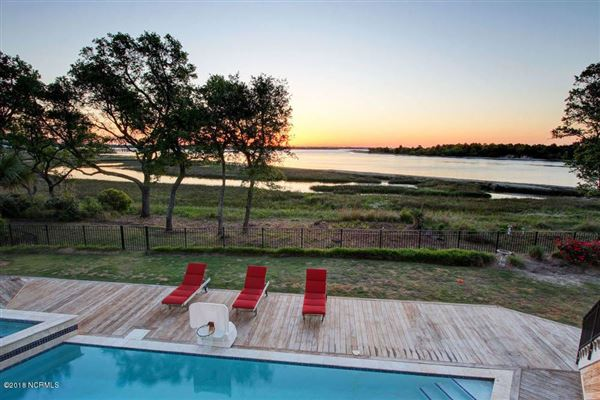 extraordinary Intracoastal-front estate  mansions