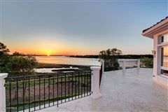 Mansions in extraordinary Intracoastal-front estate
