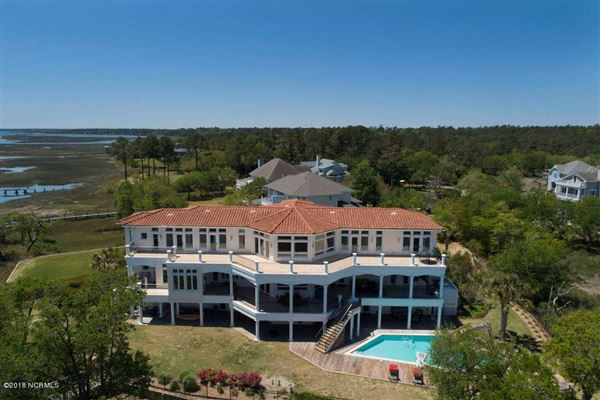 extraordinary Intracoastal-front estate  luxury real estate