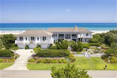 Luxury homes in double lot oceanfront home